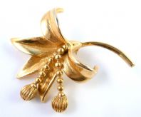Vintage Large Lily Flower Dropper Brooch By Hollywood.